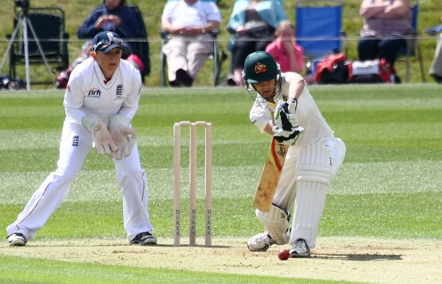 Australia's Sarah Elliot defends while Sarah Taylor stands ready (Image ourtesy of Don Miles)
